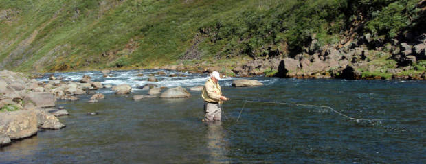 Fly fishing in Iceland – Hofsá – icelandfishingguide.com