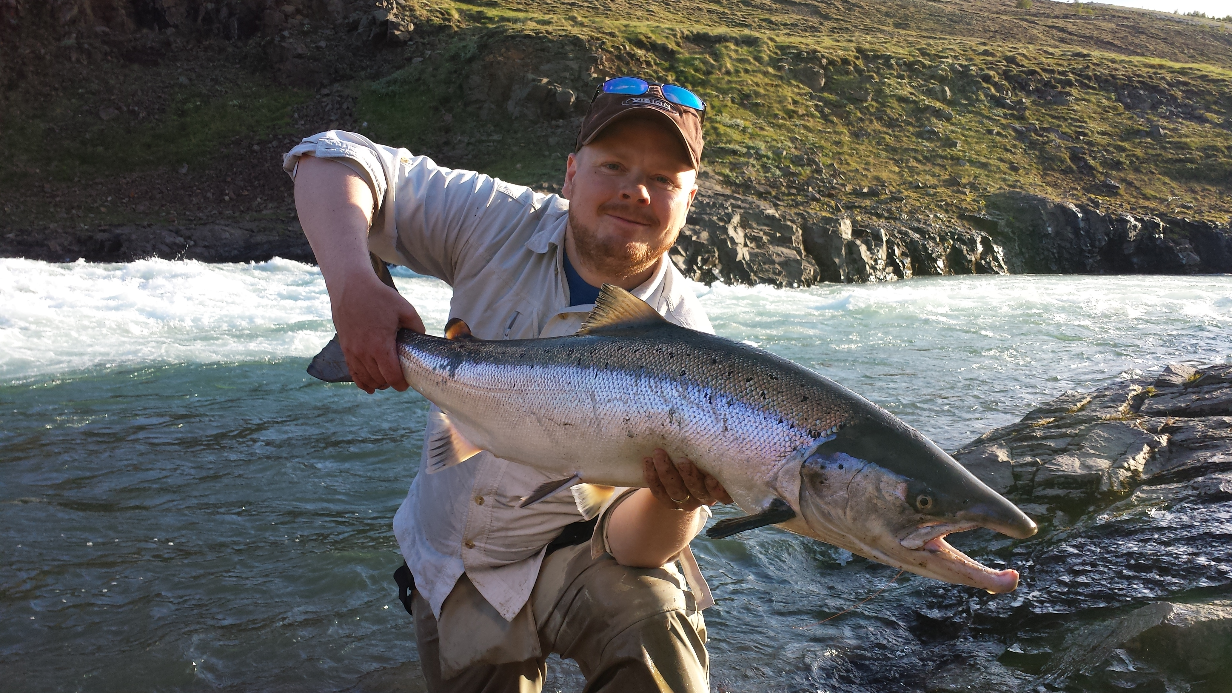 Iceland Fishing Guide – Fly fishing in Iceland – Salmon ...